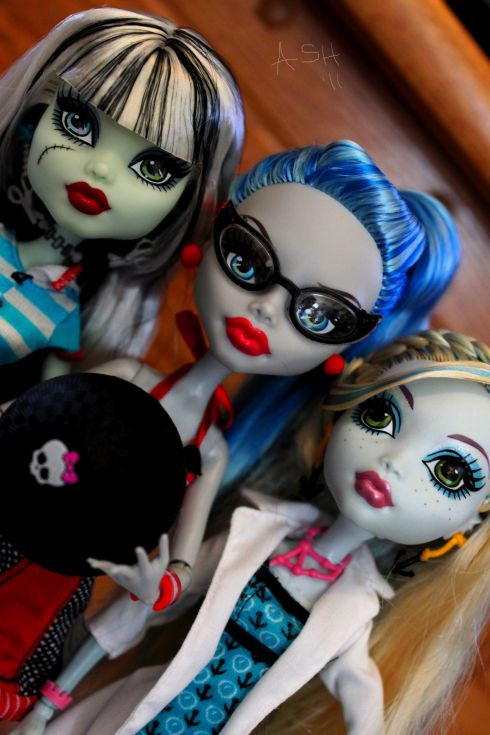 Monster High Trio with WM