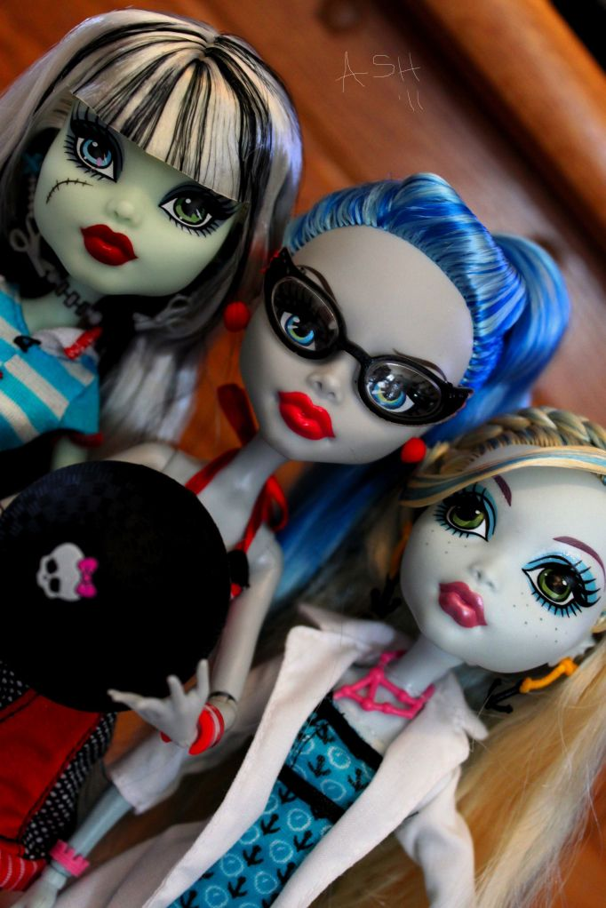Monster High Schools Out And Classroom Assortment Hitting