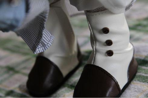 Amelia's shoes