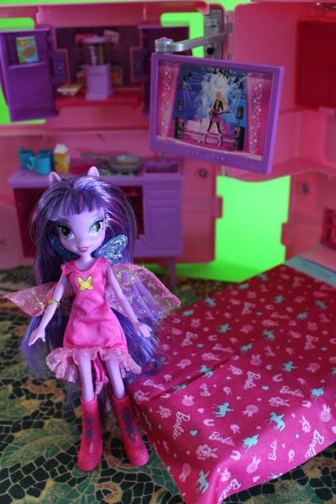Basic Twilight Sparkle (modeling Flluttershy's second outfit) in the Barbie Camper