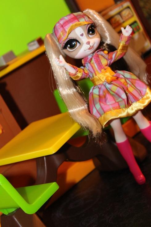 Pinkie Cooper dressed to impress!