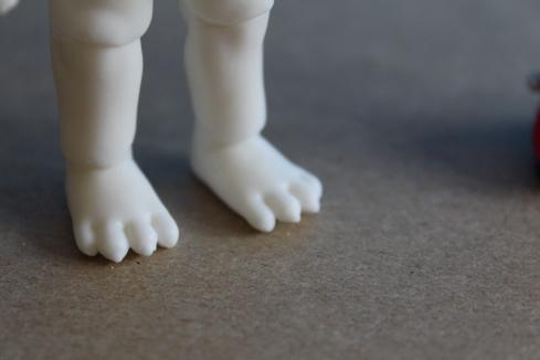 Nano Freya's paws