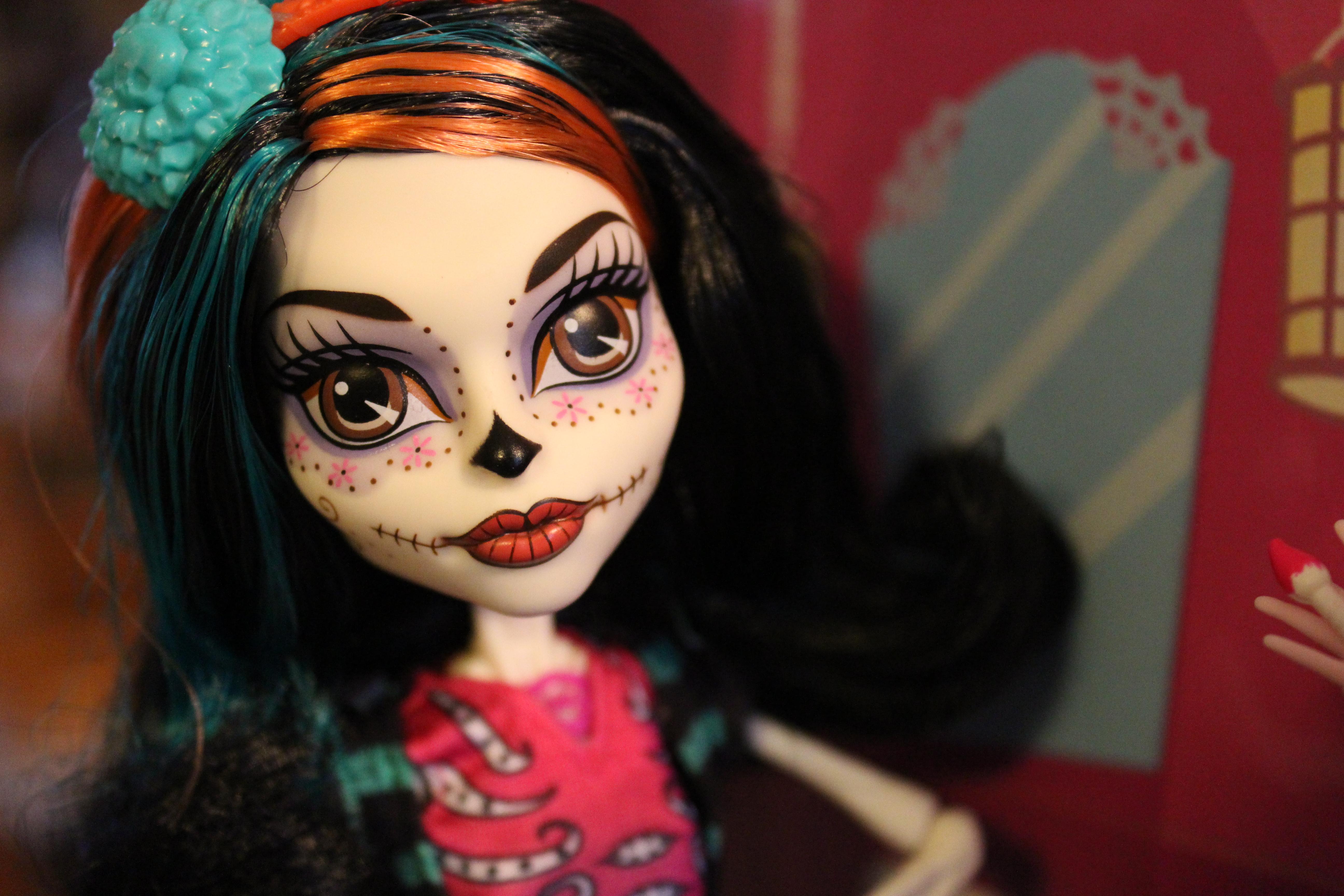 есть кукла мх скелита поделитесь своей