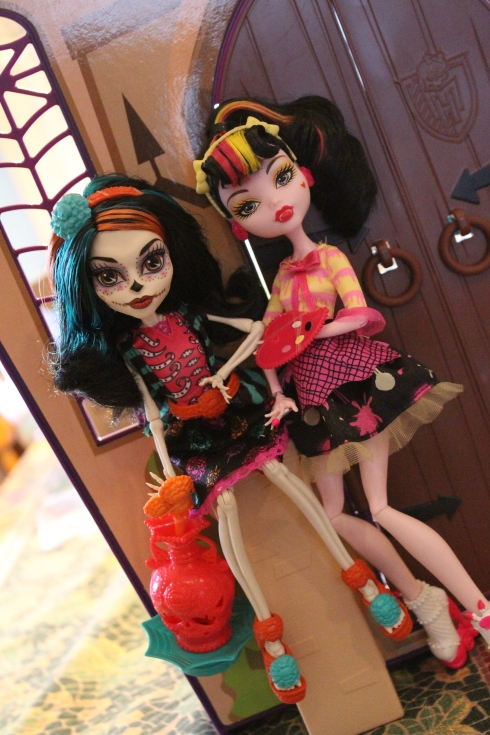 Skelita and Draculaura