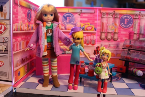 Lottie vs Shop Girl vs Polly Pocket