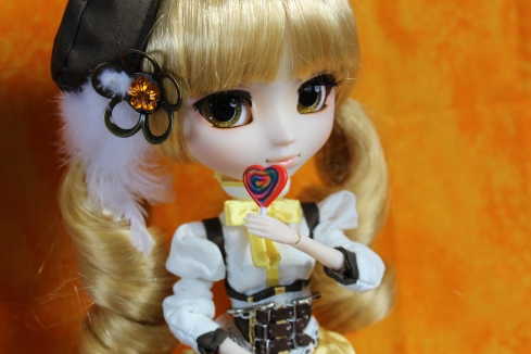 Tomeo Mami (MiWorld Lollipop not included with doll)