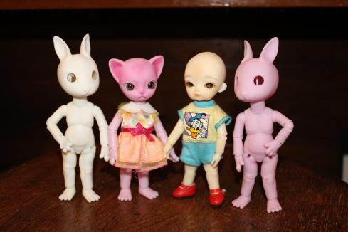 Nano Hujoos- Rabi, Freya, Baby, Rabi