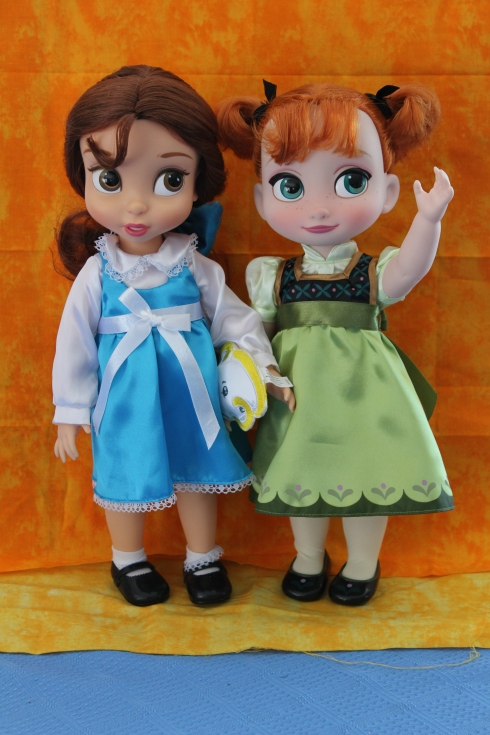 Disney Animator's Collection Belle vs Frozen's Anna