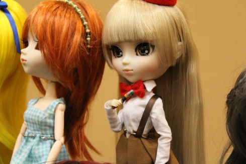 This Doctor Who themed Pullip is on the Victorique stock body I reviewed a while back!