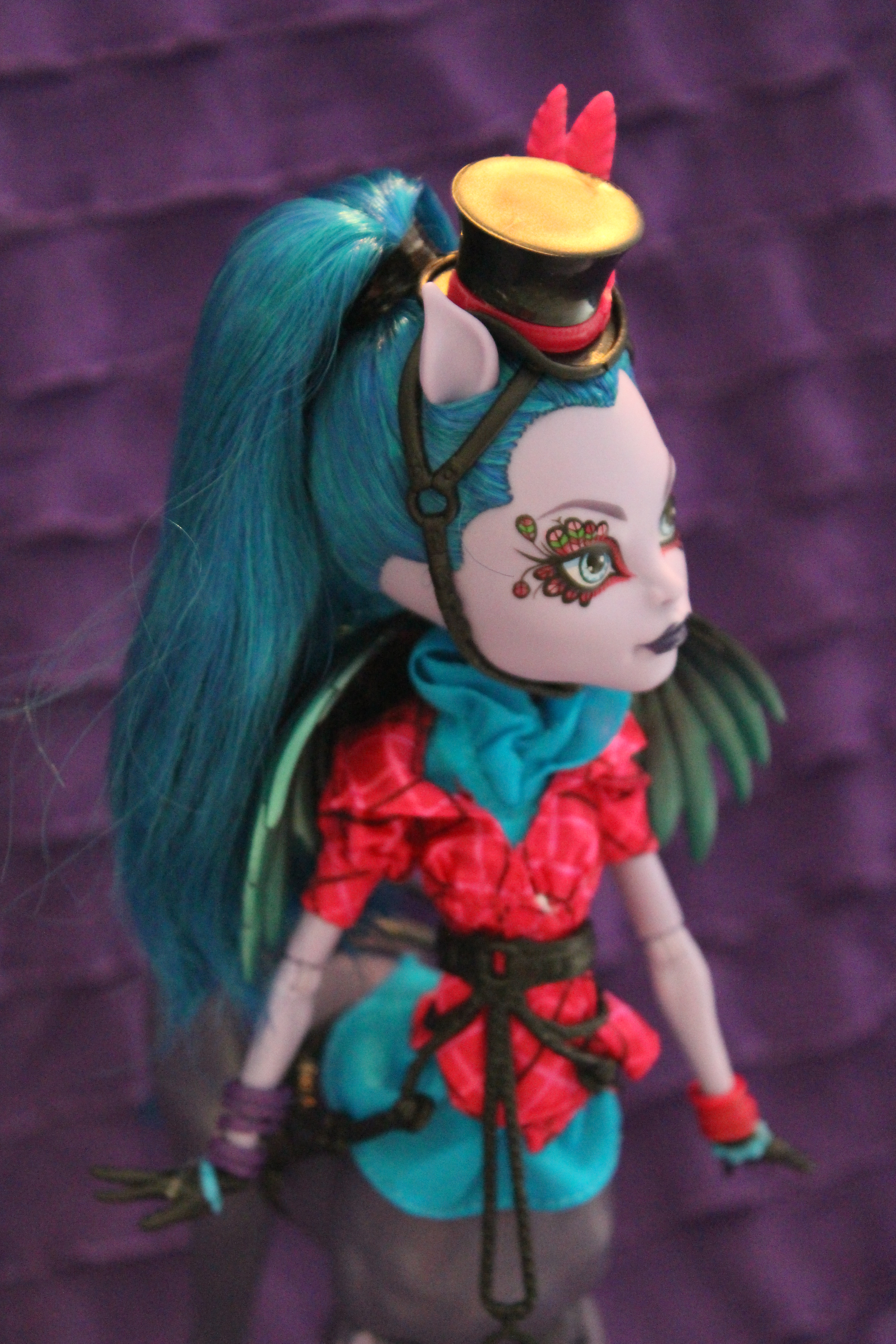 Dolly Review Monster High Freaky Fusion Avea Trotter