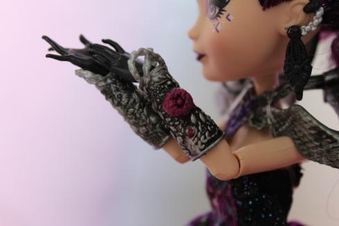 Thronecoming Raven