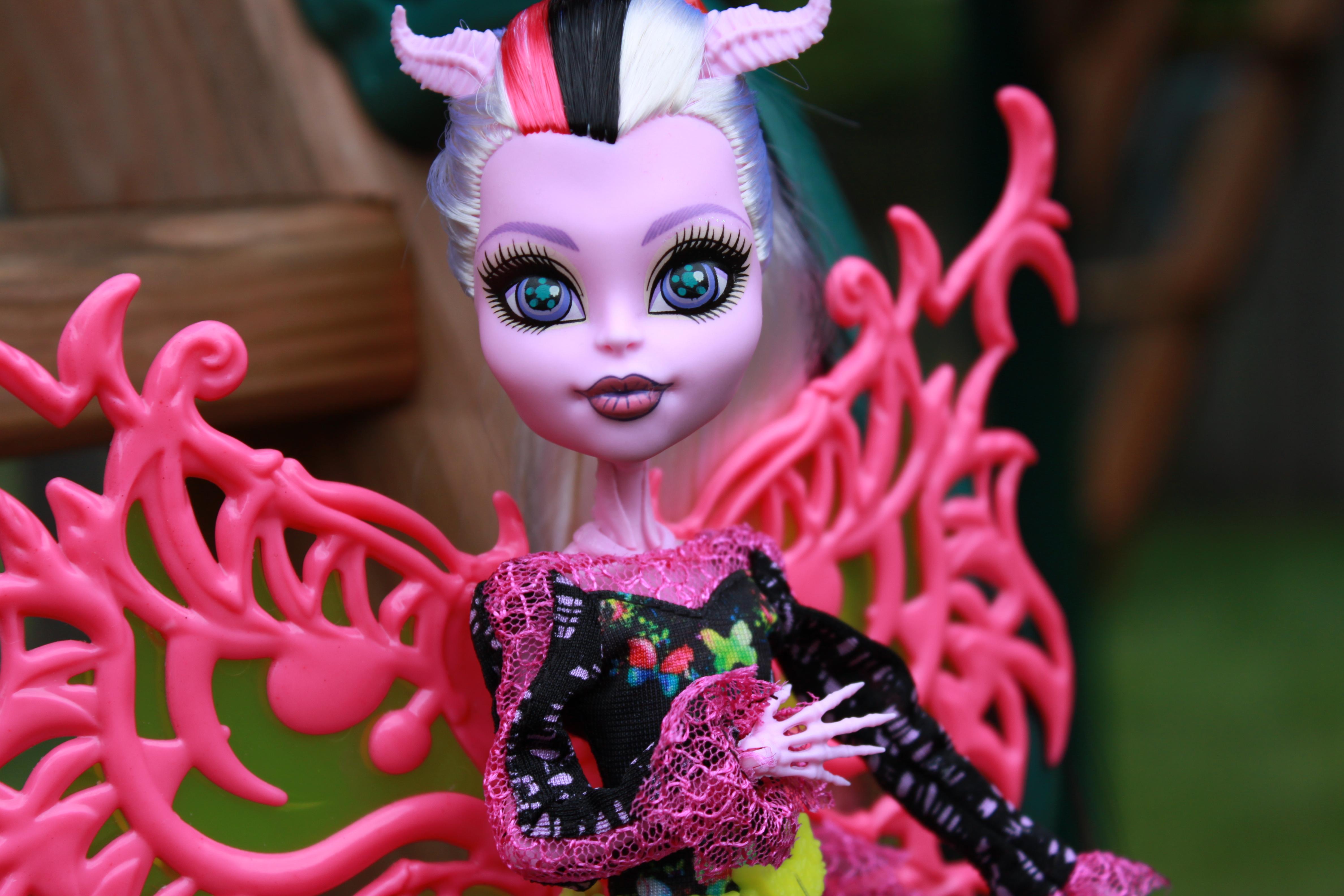 Dolly review monster high freaky fusion bonita femur - Monster high bonita ...