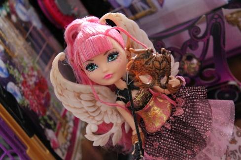 Thronecoming Cupid