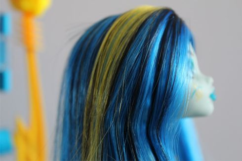 Black, Yellow and Blue hair